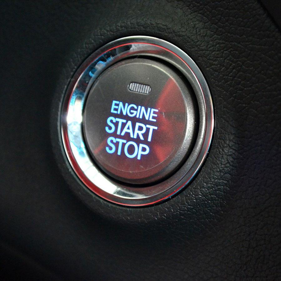 Startknopf in einem Fahrzeug